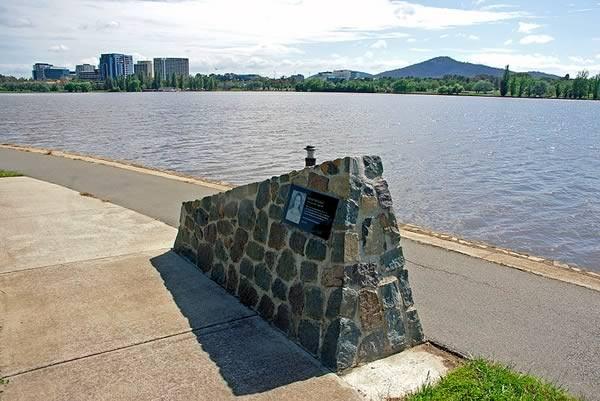 Katie Bender Memorial at Lake Burley Griffin