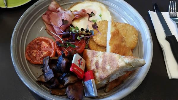 ricardos-big-breakfast