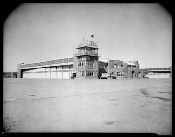 hangar pic 2