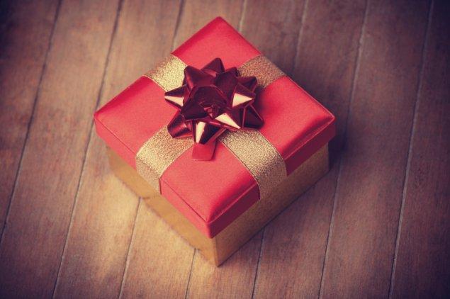 christmas-gift-stock-191214