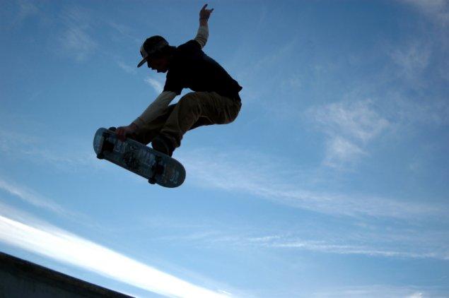 stock-skateboard-skateboarder
