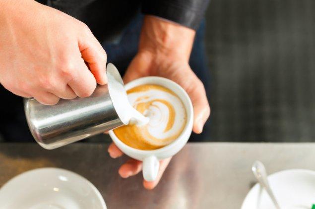 stock-coffee-barista-cappucino