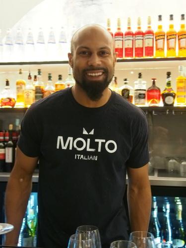 Bartender at Molto
