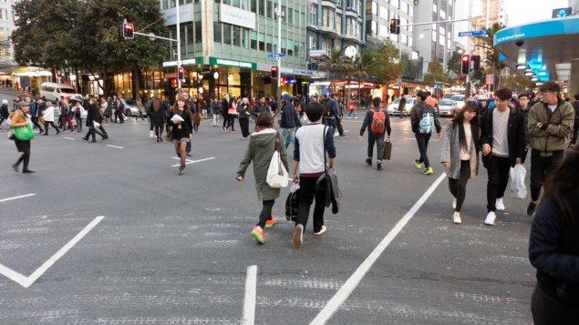 pedestrian-cross-P1180754