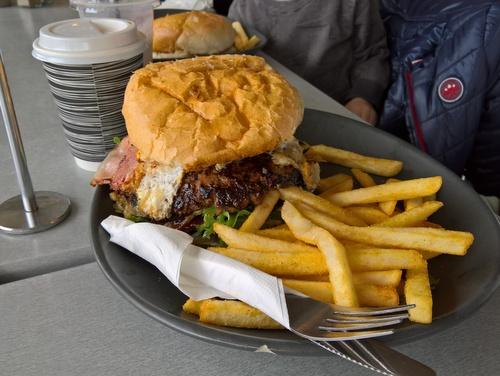 Injoy Burger