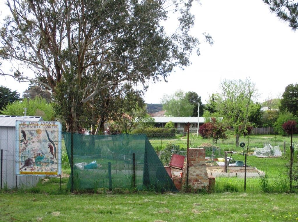 community-garden-oaks-estate