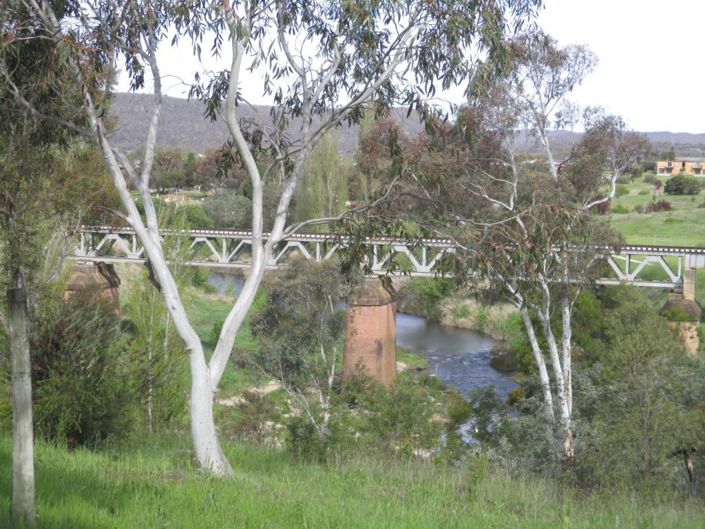 rail-bridge-over-molonglo-river