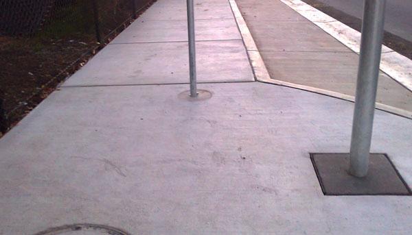 dickson-footpath-pole