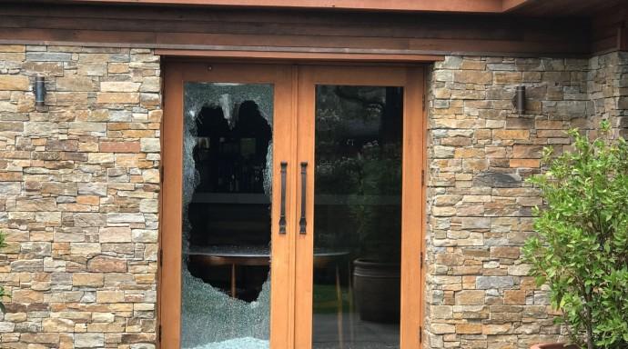 Brazen burglar smashes his way through Pialligo