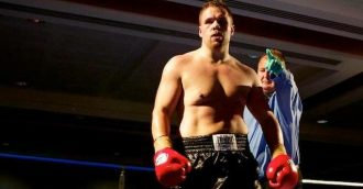 Three-time world kickboxing champion to make cage-fighting debut in Canberra