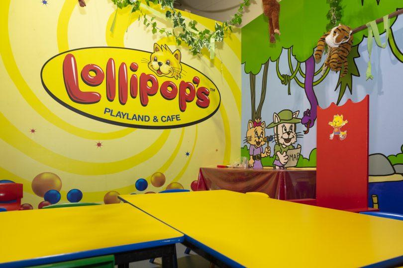 kids birthday party room