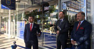 World  8217 s oldest barber shop opens first Australian outlet in Canberra
