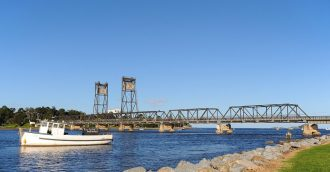 Batemans Bay's new bridge taking shape