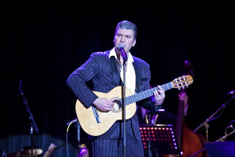 Mikelangelo as Balkan Elvis. Photo: Mandy Hall
