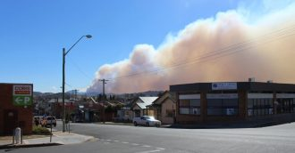 Strong winds fuelling bushfires in South East NSW