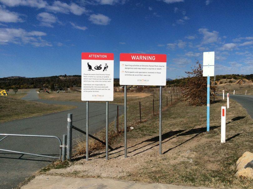 Signs at Stromlo Criterium warning about kangaroos. Photo: Tim Gavel.