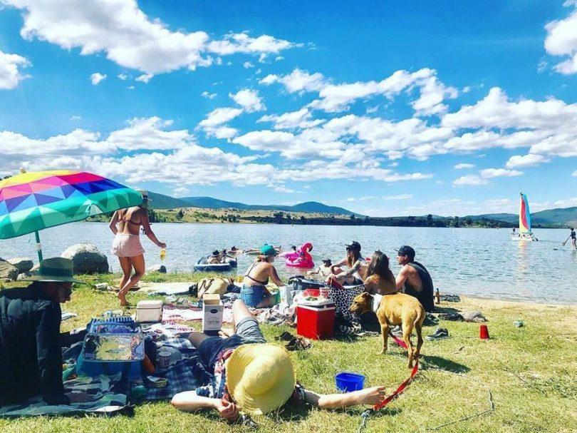 Chilling on the shores of Lake Jindbayne during the summer months. Photo: Jennie Jane, Destination Jindabyne Facebook.