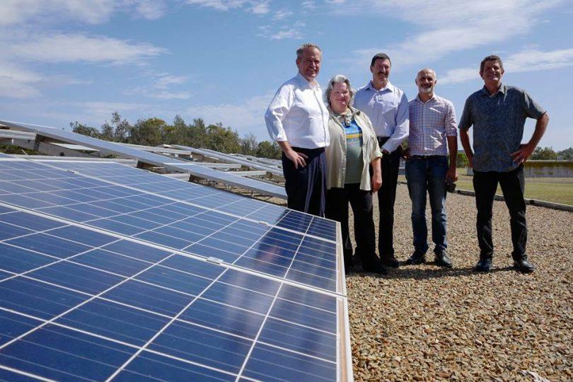 Opposition Leader Bill Shorten, Prue Kelly (CEFE), Member for Eden-Monaro Dr Mike Kelly, Nick Graham-Higgs (CEFE) and Derek Povel (CEFE). Photo: Clean Energy for Eternity (CEFE)