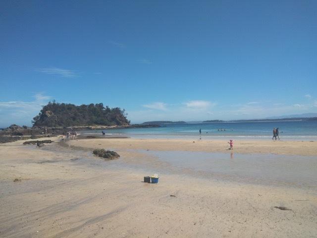 The eastern end of Barlings Beach