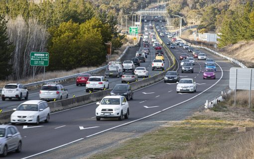 Will painted chevrons prevent the Tuggeranong Parkway car trap?