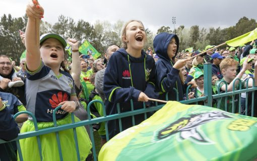Ricky's tears of pride as fans welcome Raiders home
