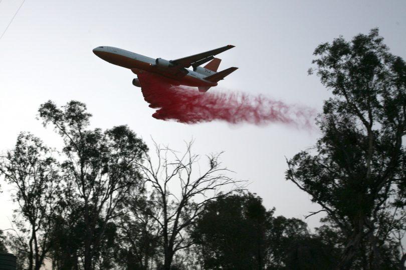 DC-10 Air Tanker, Orroral Valley fire, fire retardant drop