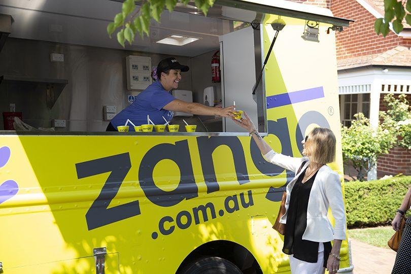 Zango Bus