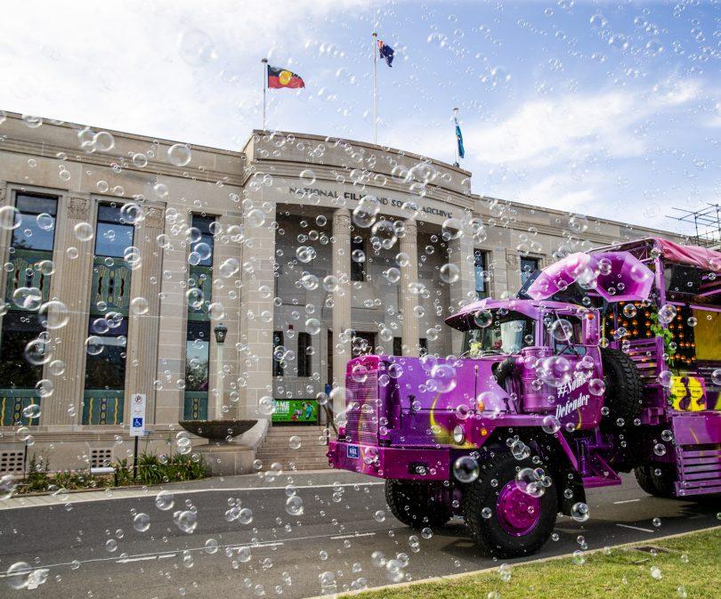The pink Soul Defender truck