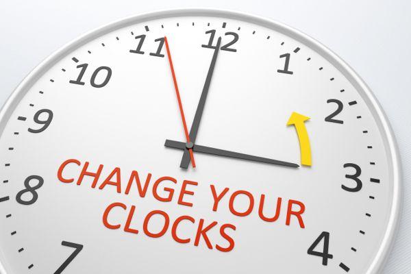 Daylight-saving clock