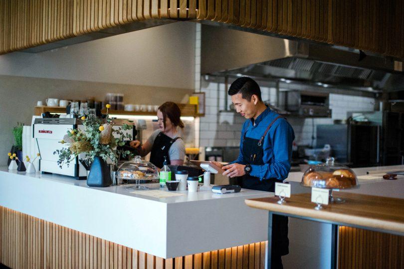 Jiwoo and Café MAMÉ's barista