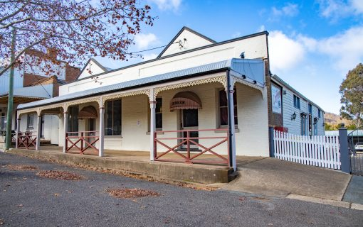 Literary history at Mayfield Mews and Albury House in Bowning going to auction