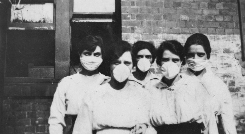 Women wearing masks in 1919.