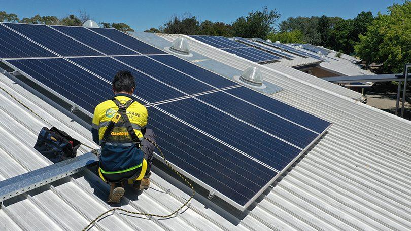 Mondiaux Solar, solar panel installation