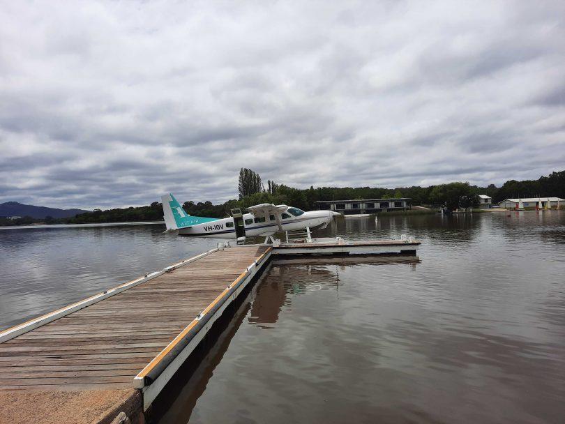 Cessna seaplane