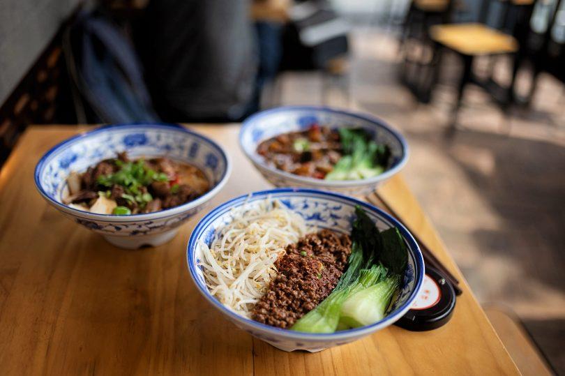 Meat sauce noodle bowl