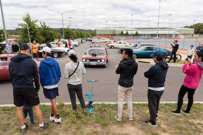 People watching cars at Summernats