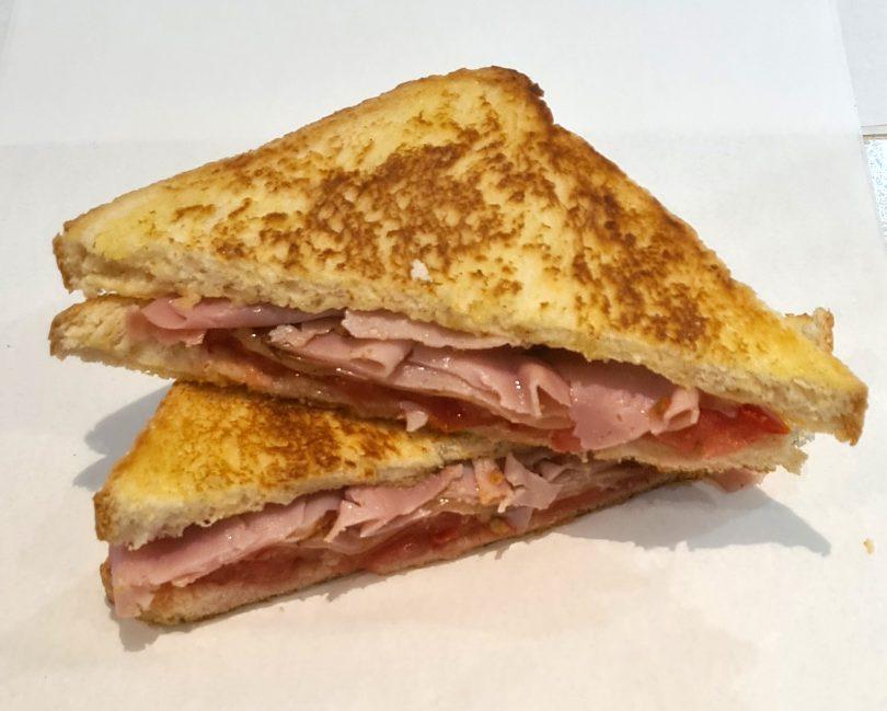 Ham and tomato toasti