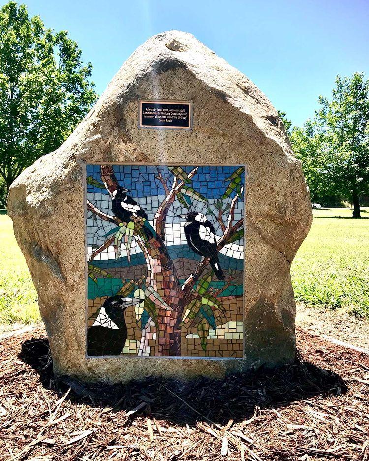 Magpie mosaic at Waniassa Park in Queanbeyan.