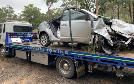 '50 cars in 15 minutes': Passing motorists ignore woman calling for help over fatal crash near Batemans Bay