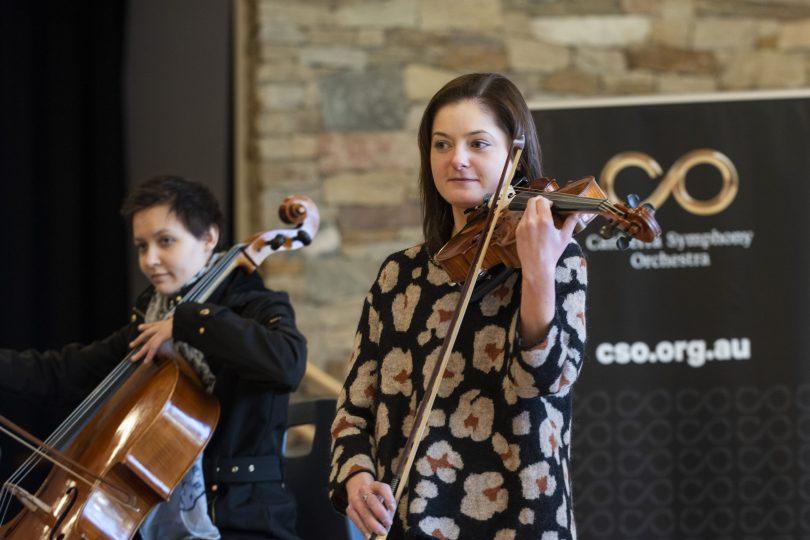 Canberra Symphony Orchestra musicians Julia Janiszewski and Alina Zamfir.