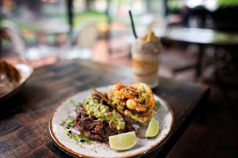 Carne and La Gamba tacos