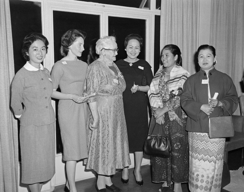 Senator Agnes Robertson with members of the National Committee on the Pan-Pacific and Southeast Asia Women's Association of Australia in 1960.