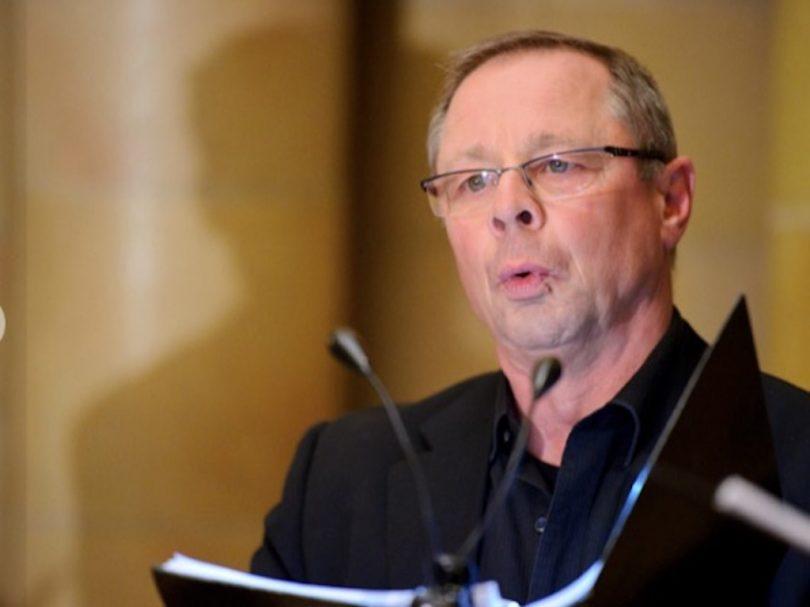 Ed Suttle singing