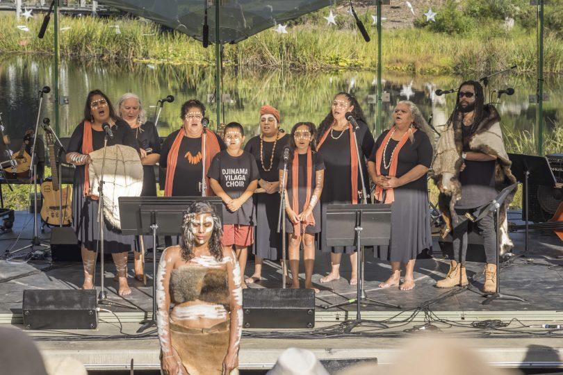 Djinama Yilaga Choir