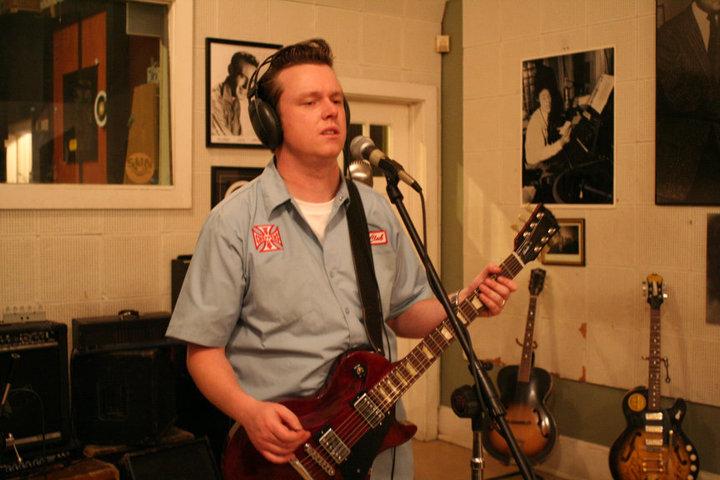 Charlie Tizzard playing guitar at Sun Studio