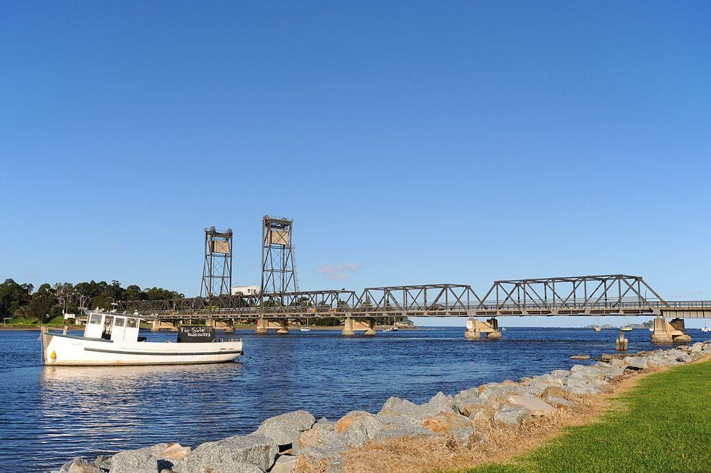 Old Batemans Bay Bridge