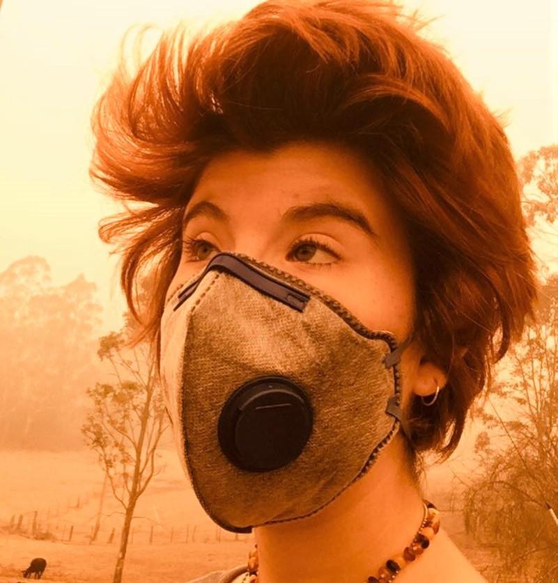 Mikki Boffa wearing musk during bushfire.