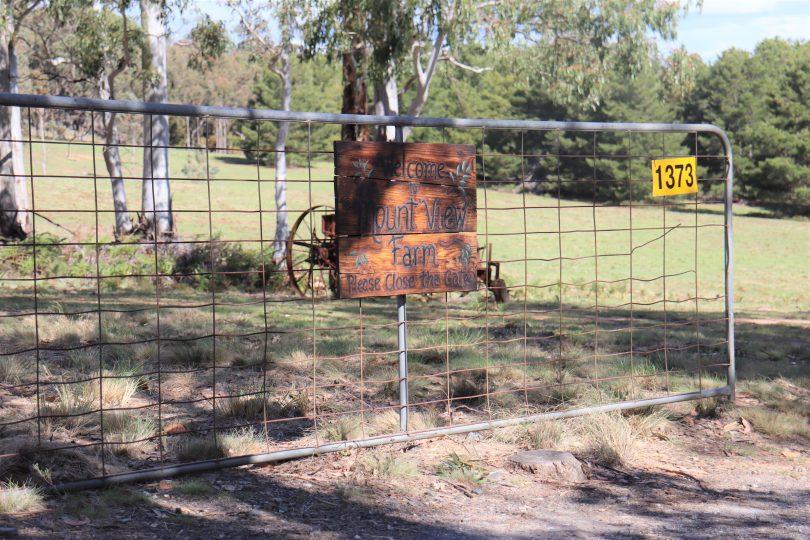 Entrance to Mount View Farm in Bigga.