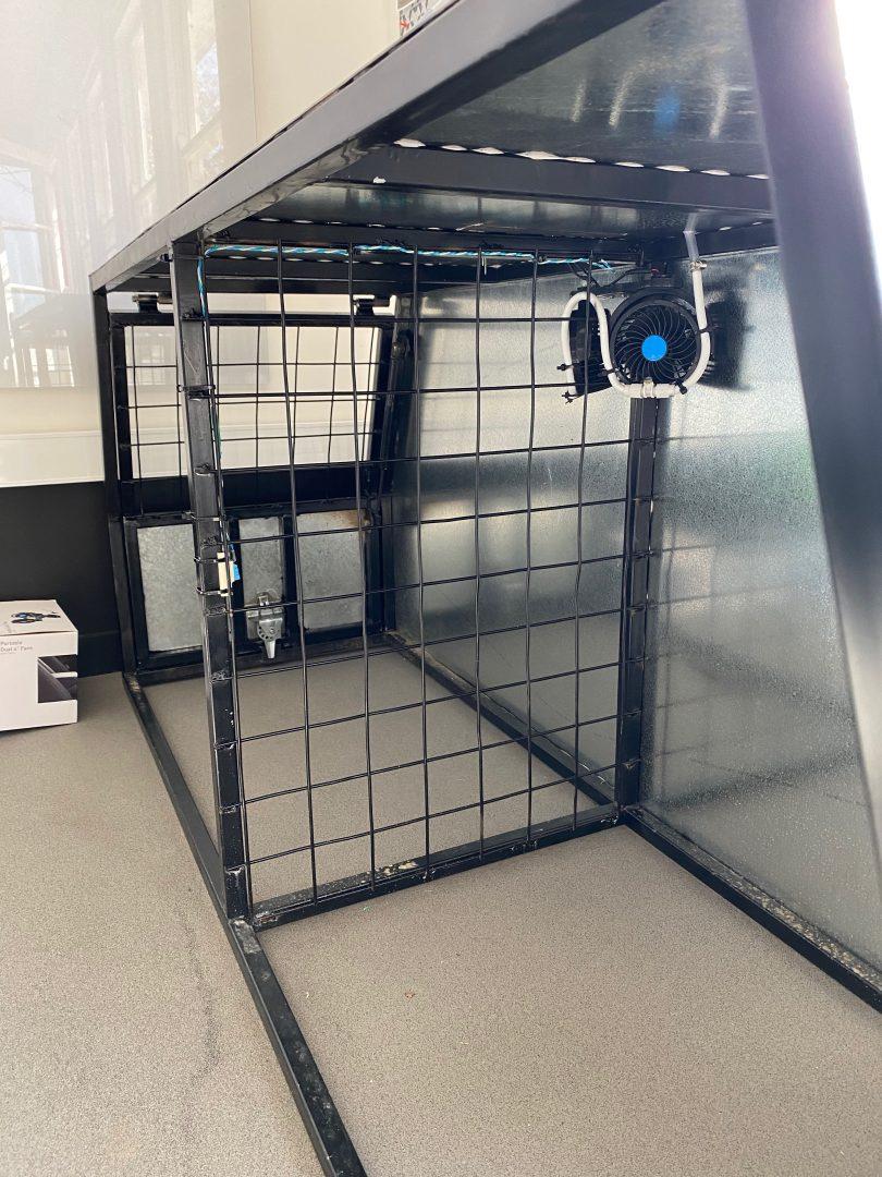 Cooling dog box.