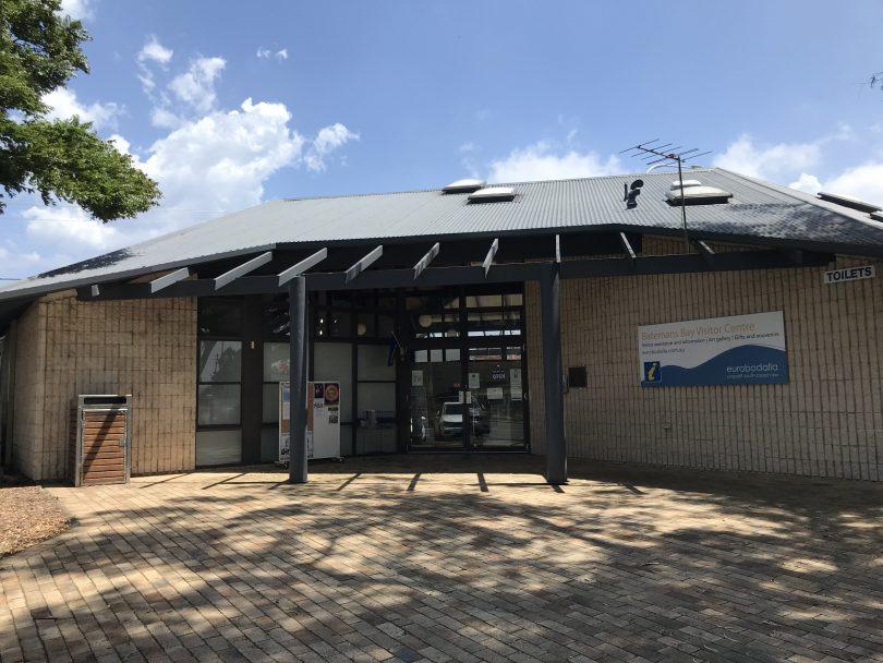 Exterior of Batemans Bay Visitor Information Centre.
